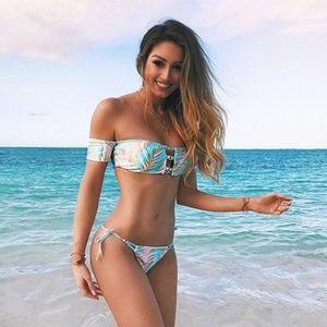 NWT Beach Bunny Aqua Palm Bikini Top - Medium
